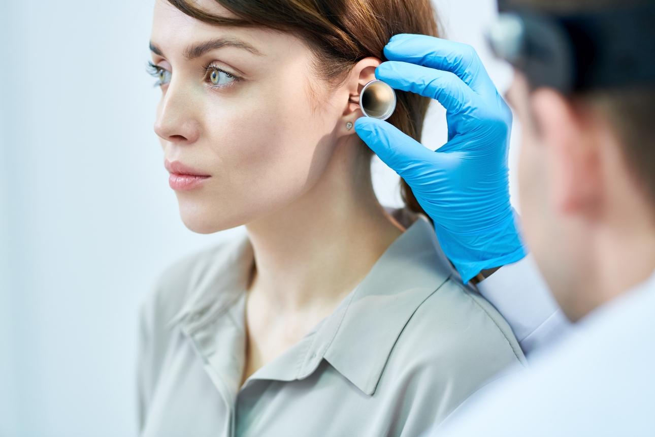 ucho-lekarz